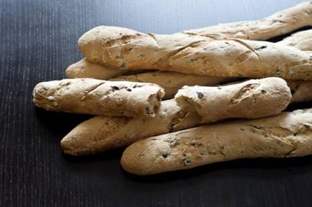 Кухня Испании, рецепты испанской кухни, отдых в Испании, хлеб с маслинами